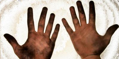 Грязные руки после свинцовых пломб