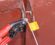 Тросорез для перекусывания стального троса толщиной до 4 мм